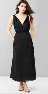 Gap V-Neck Raime Maxi Dress